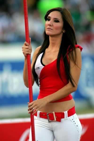mujeres_bellas_casuales_marcianos_6