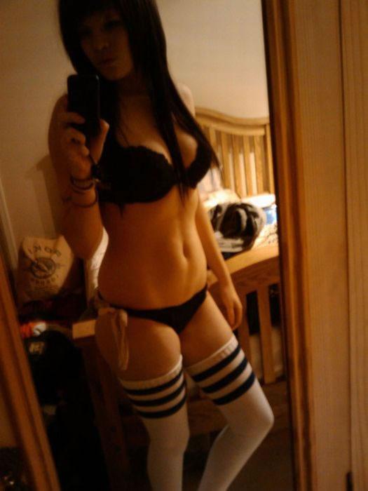 Deliciosas mujeres en el espejo (49)