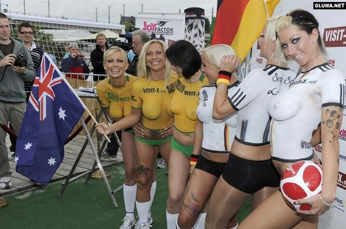 Body Paint Soccer Cup (3)