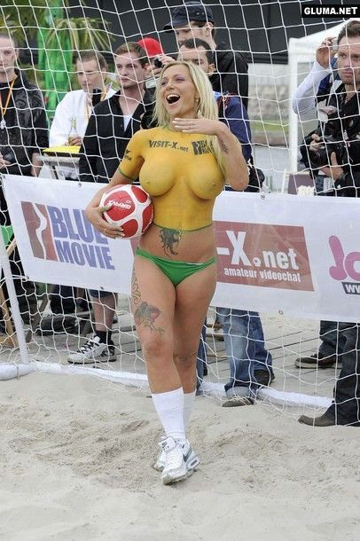 Body Paint Soccer Cup (2)