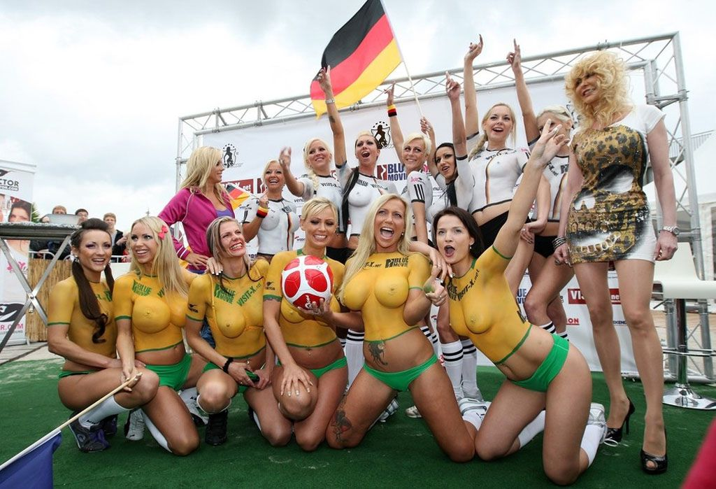 Body Paint Soccer Cup (21)