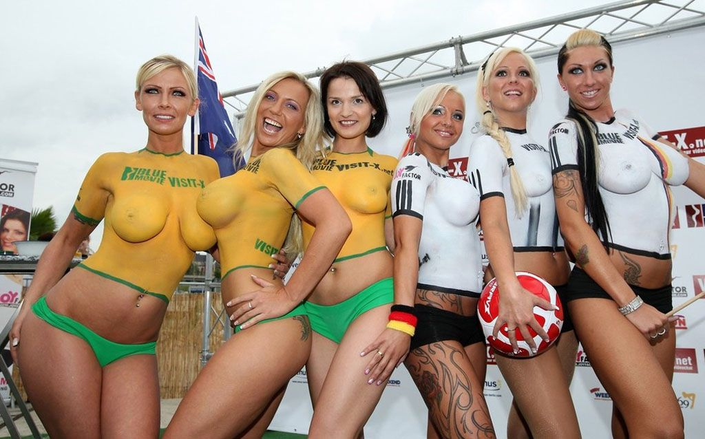 Body Paint Soccer Cup (20)