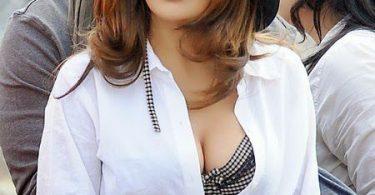 Salma Hayek culo playa (23)