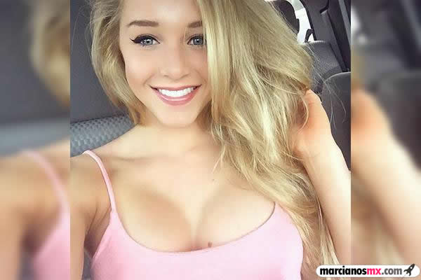 Courtney Tailor (1)