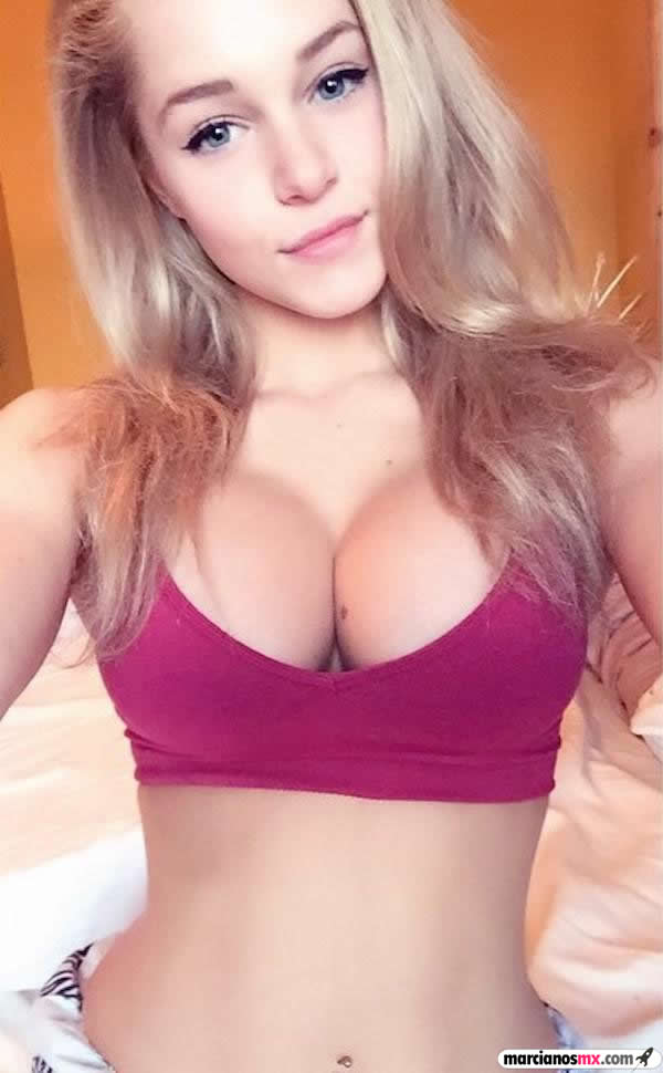Courtney Tailor (10)