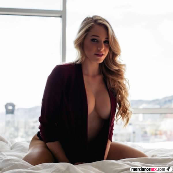 Courtney Tailor (18)