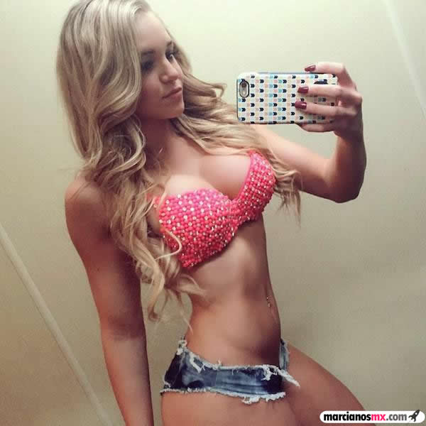 Courtney Tailor (6)