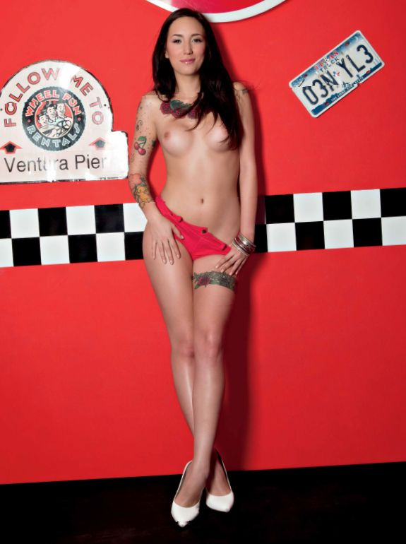 Daniela Bos Playboy Junio 2015 (14)