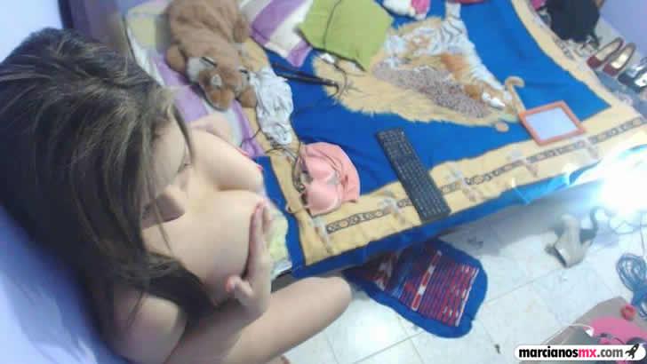 Valeria tetona webcam (10)