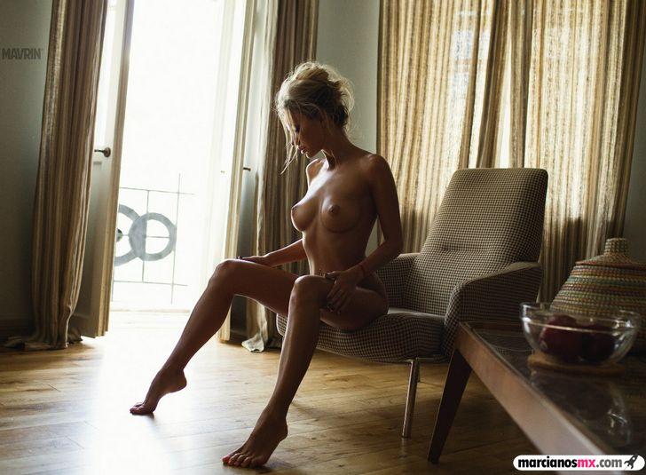 Chica Viernes 43 (101)