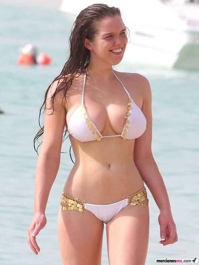 Chica Viernes 43 (70)