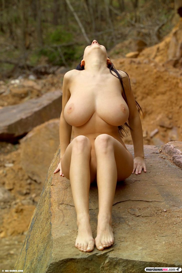 Chica Viernes 43 (79)