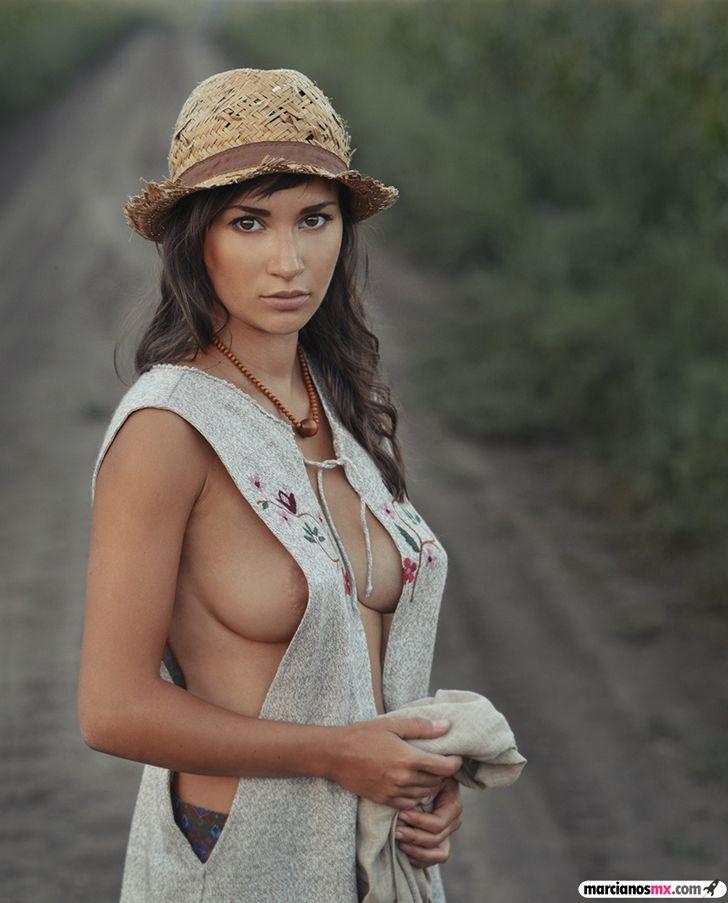 Chica Viernes 43 (85)